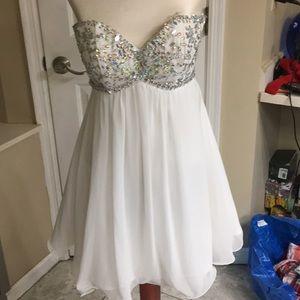 Beautiful white chiffon Homecoming Dress